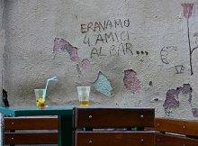 N11153_4_amici_al_bar